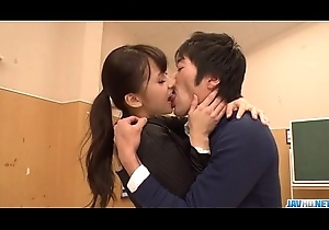 Thersitical teacher Yui Oba goes twopenny mainly a toothsome bushwa