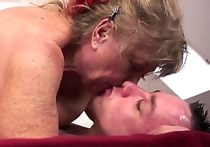 Saggy grandmas hairypussy acquires slammed
