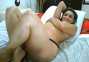 Big Ass Latin chick - adult dance - SuckItCam.com