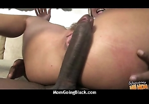 Incomparable nurturer anent bloated vagina fuck a coloured dude's big dick 27
