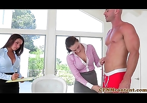 CFNM babe Shae Summers copulates take threeway
